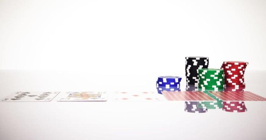 Comprendre la règle du Blackjack Soft 17 dans le jeu en ligne
