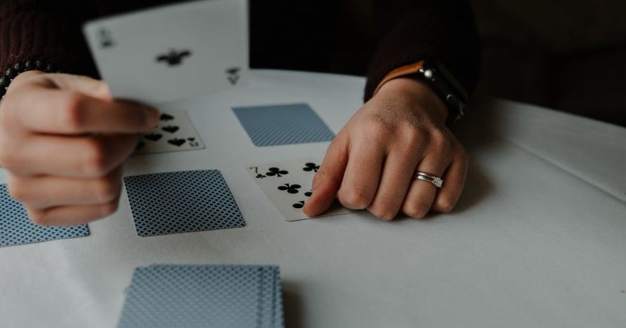 RNG Blackjack Vs. Blackjack avec croupier en direct